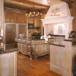 Elegant Custom Kitchen Woodwork